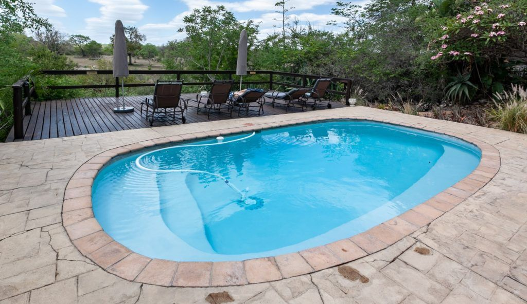 piscina ovalada